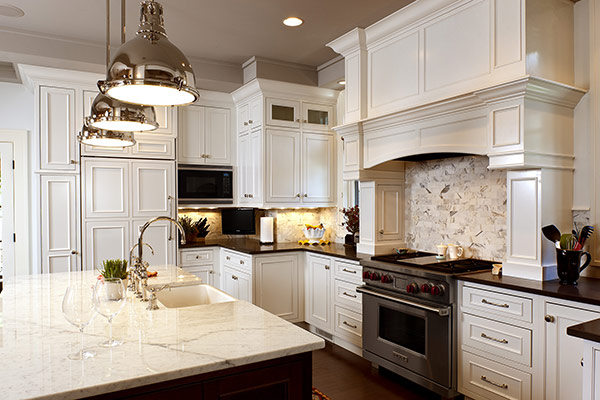 Your dream kitchen is waiting - visit our showroom today! Style Q582P.WTN.KB